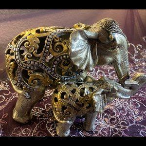 Mama & Baby Elephant Figure